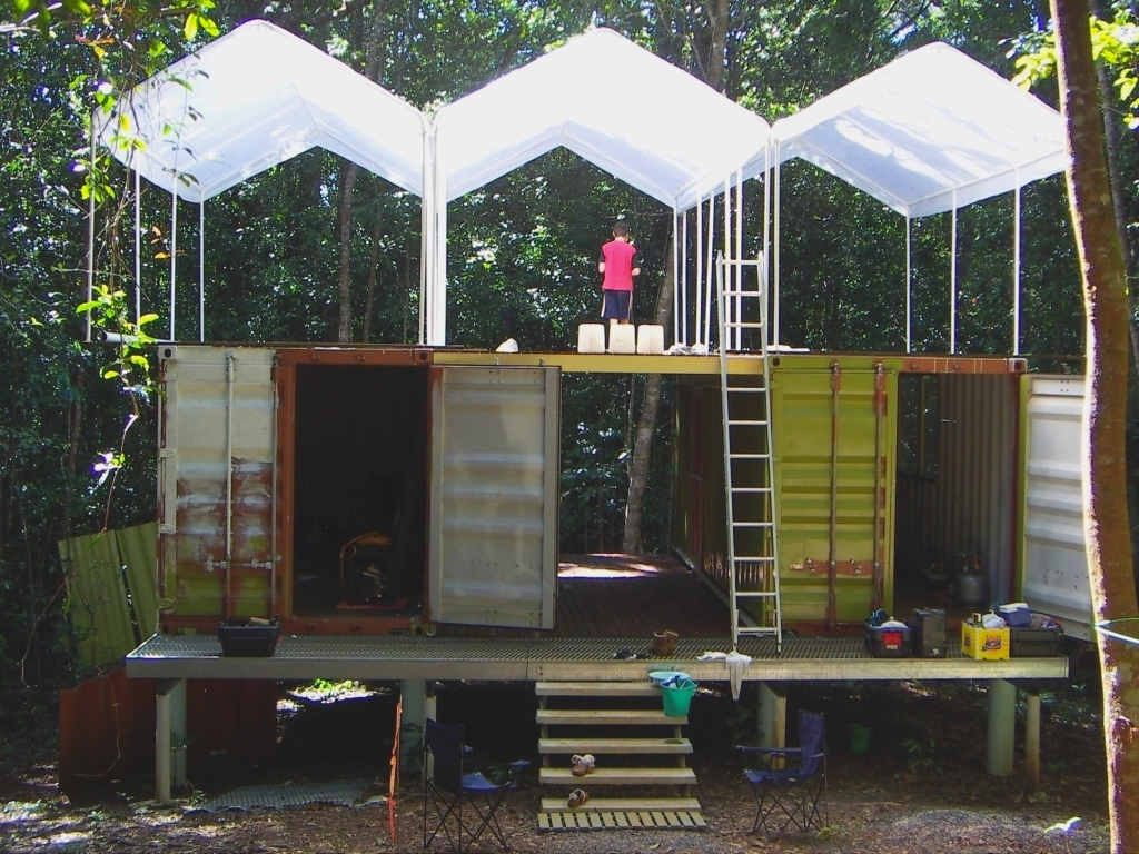 shipping container home/accommodation